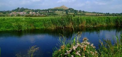 b_400_300_16777215_00_images_Tor-and-River-Brue.jpg
